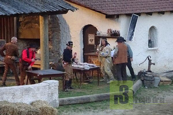 """Winnetou (Reinhold Schomer) und Old Shatterland (Rainer Otten) in """"Old Surehand 2017"""""""