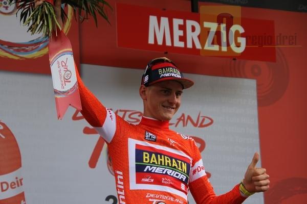 Der Gesamtsieger der Deutschland, Tour Matej Mohoric, fuhr auch in Merzig als Etappensieger über die Ziellinie.