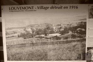 Informationstafel in Louvemont - ein weiteres vernichtetes Dorf.
