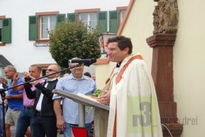 Pastor Christian Struwe führte die Einsegnung durch.