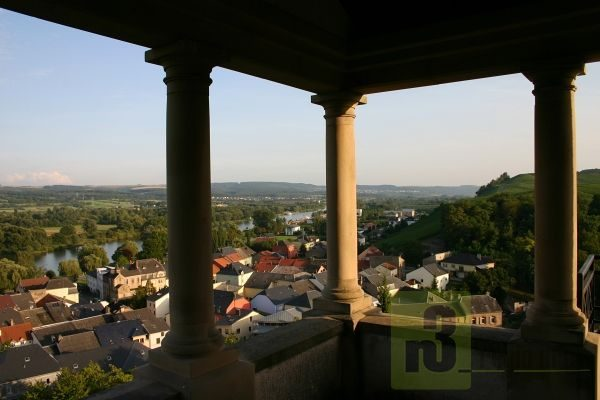 Der Grabtempel von Bech-Kleinmacher an der luxemburgischen Mosel im Miselerland.