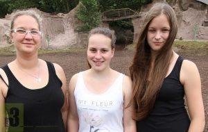 Sind seit Jahren als Darstellerinnen in Mörschied dabei - 2016 wieder auf dem Rücken der Pferde.  v.l.n.r. Denise Gillmann (33), Patricia Vetter (18), Nicola Kuntz (16). Foto: Herbert Bruxmeier