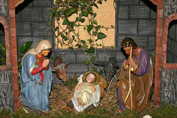 Weihnachtskrippe: Pfarrkirche St. Valentin Ockfen