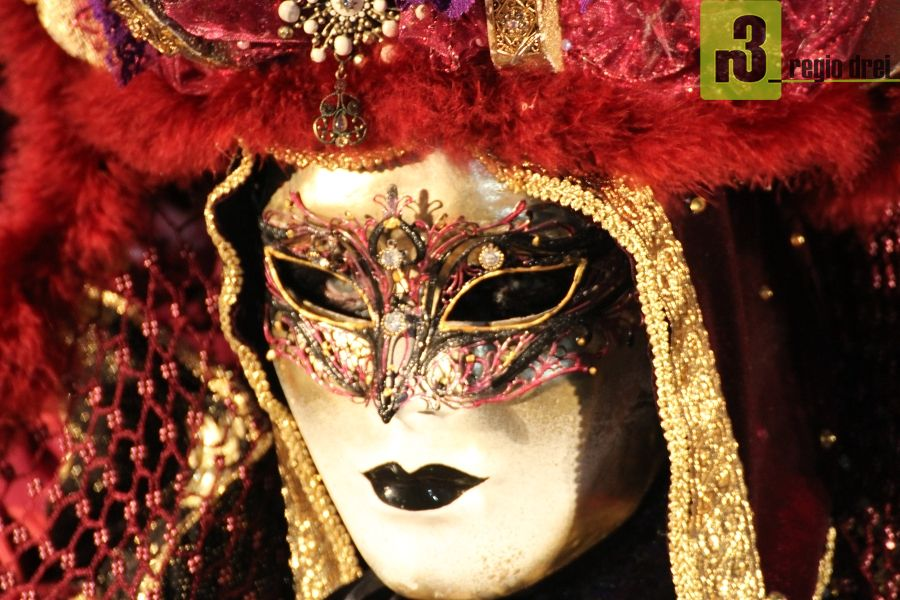 Seit 2008 gibt es einen venezianischen Karneval in den  Befestigungsanlagen von Vauban.  Foto: Herbert Bruxmeier