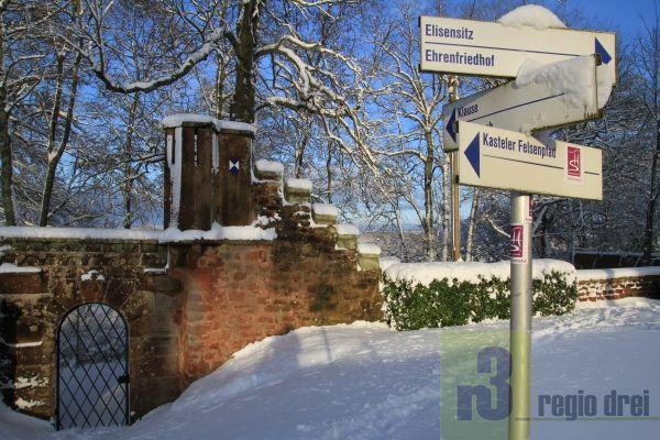 Winter: Felsplateau Kastel-Staadt