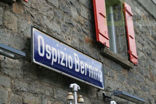 Ospizio Bernina ist der Scheitelpunkt der Strecke. Hier befindet sich die höchstgelegen Bahnstation der Rhätischen Bahn.  Archiv/Foto: Herbert Bruxmeier