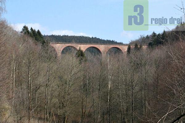 Der Viadukt zwischen Hoxel und Deuselbach.