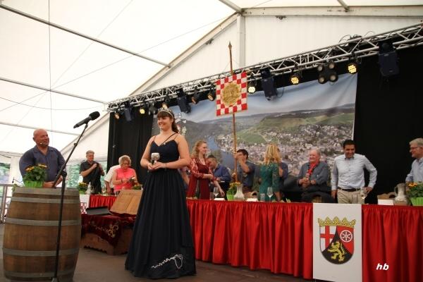Zu den Attraktionen der traditionsreichen Veranstaltung in Traben-Trarbach zählt auch  die Krönung der neuen  Stadtweinkönigin. Foto/Archiv