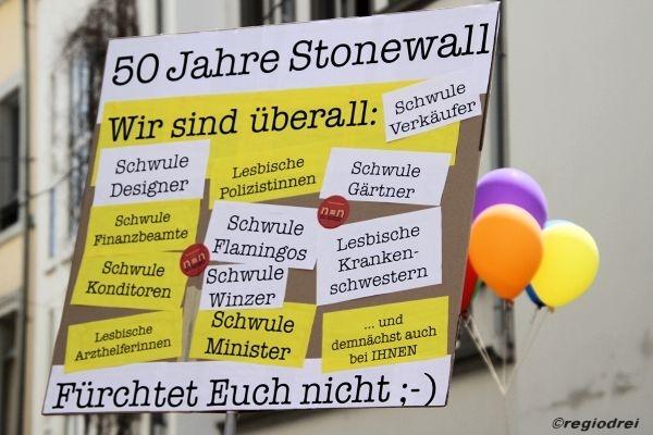 50 Jahre Stonewall: Demo-Parade 2019 in Trier für gesellschaftliche und rechtliche Gleichberechtigung. Foto: hb