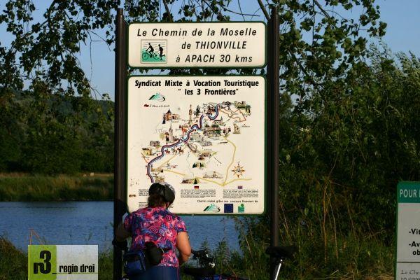 """Wegweiser:  """"Chemin de la Moselle"""". Foto: Herbert Bruxmeier"""