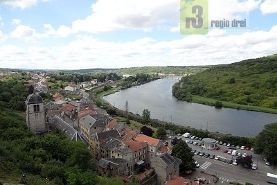 Blick auf Sierck-les-Bains.  Foto: Regio/ Herbert Bruxmeier