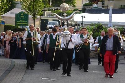 Trierer Weinfest 2019: Der Könungsabend in Trier-Olewig wurde vom Musikverein Wiltingen musikalisch begleitet.