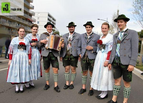 Mit dabei beim Festumzug: Garmischer Volkstrachtenverein. Foto: Herbert Bruxmeier