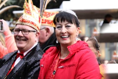 Regierten eine Session des Trierer Karnevals: Marie-Claire I. vom Kylltal Reisebüro und Pierrot I. von LuxairTours. Foto: hb