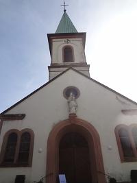 Die Kirche Mariä Heimsuchung in Auersmacher. Foto H. Bruxmeier