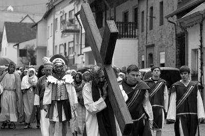 Das Passionsspiel in Klüsserath lädt alle fünf Jahre Zuschauerinnen und  Zuschauer dazu ein, die Leidensgeschichte Jesu Christi nachzuempfinden. Foto/Archiv: H. Bruxmeier
