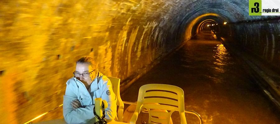 Durchfahrt durch den 2306 m langen Arzviller Tunnel.