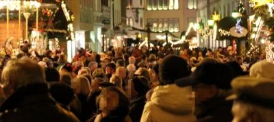 Ein dichtes Gedränge soll es beim 41. Trierer  Weihnachtsmarkt in diesem Jahr nicht geben. Der  Weihnachtsmarkt 2020 wird neben dem Hauptmarkt und dem  Domfreihof auch auf dem Viehmarkt stattfinden,  um die Besuchermenge zu entzerren. Foto: Symbolfoto/regiodrei