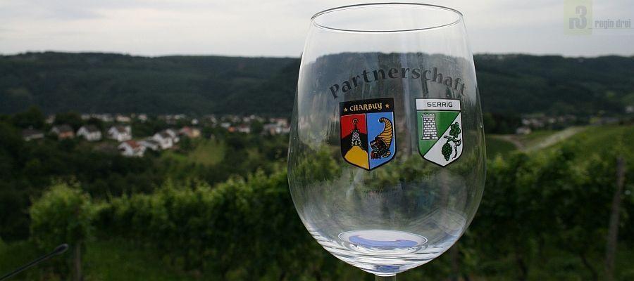 Seit 1982 besteht die Partnerschaft zwischen Serrig an der Saar und der französischen Gemeinde Charbuy.