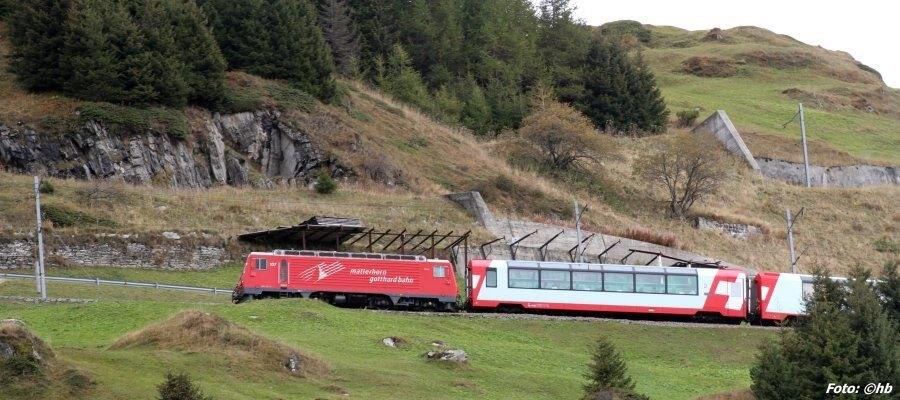 Mit der Bahn über die Schweizer Bergee