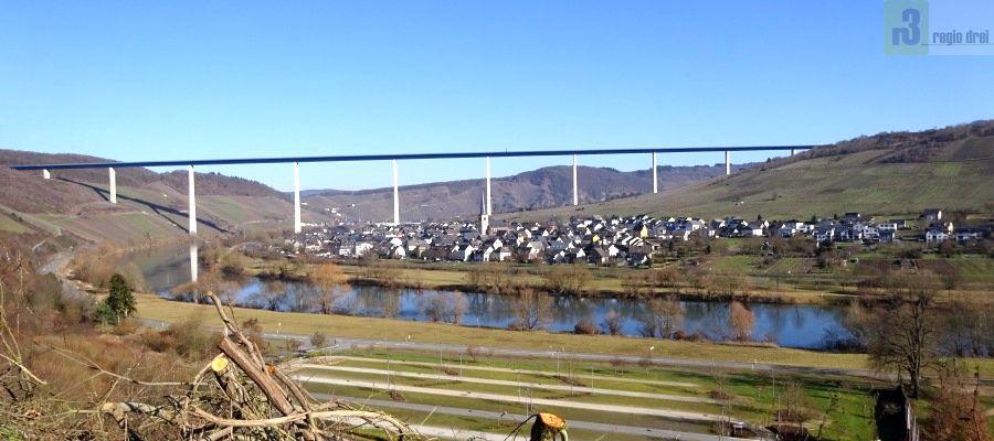 160 Meter hoch und 1,7 km lang - derHochmoselübergang bei Zeltingen-Rachtig.