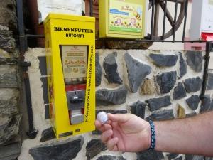 Bienenfutterautomat in Starkenburg.