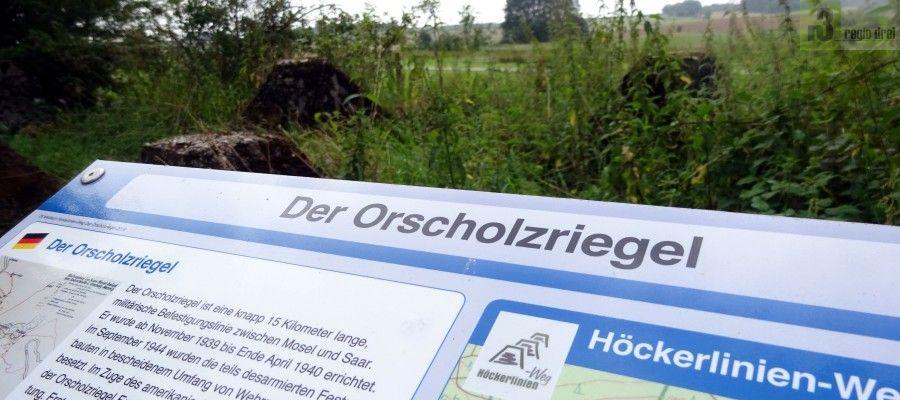 Informationstafeln informieren über den Aufbau und die Geschichte der Sperrlinie in Orscholz.