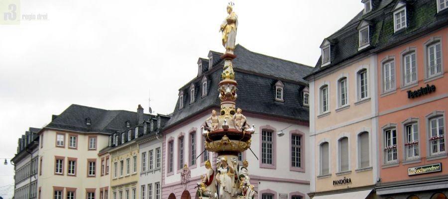 Petrusbrunnen in Trier