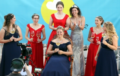 Mosella Kira I. repräsentiert künftig gemeinsam mit ihren Prinzessinnen Mara und Anna-Lena die Stadt Bernkastel-Kues zum Thema Wein und Tourismus.