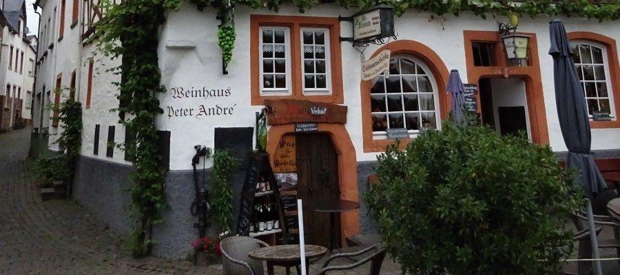 In denzahlreichen Weinstuben, Weinhäusern und Restaurants kann man sich in Ediger-Eller auch kulinarisch verwöhnen lassen!