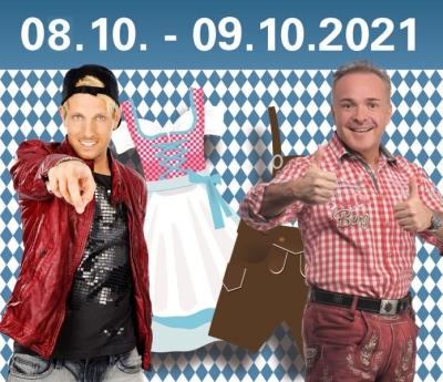 Axel Fischer und Tim Toupet sind zu Gast auf der Bühne im Merziger Oktoberfestzelt im Oktober 2021. Bildquelle: Kreisstadt Merzig